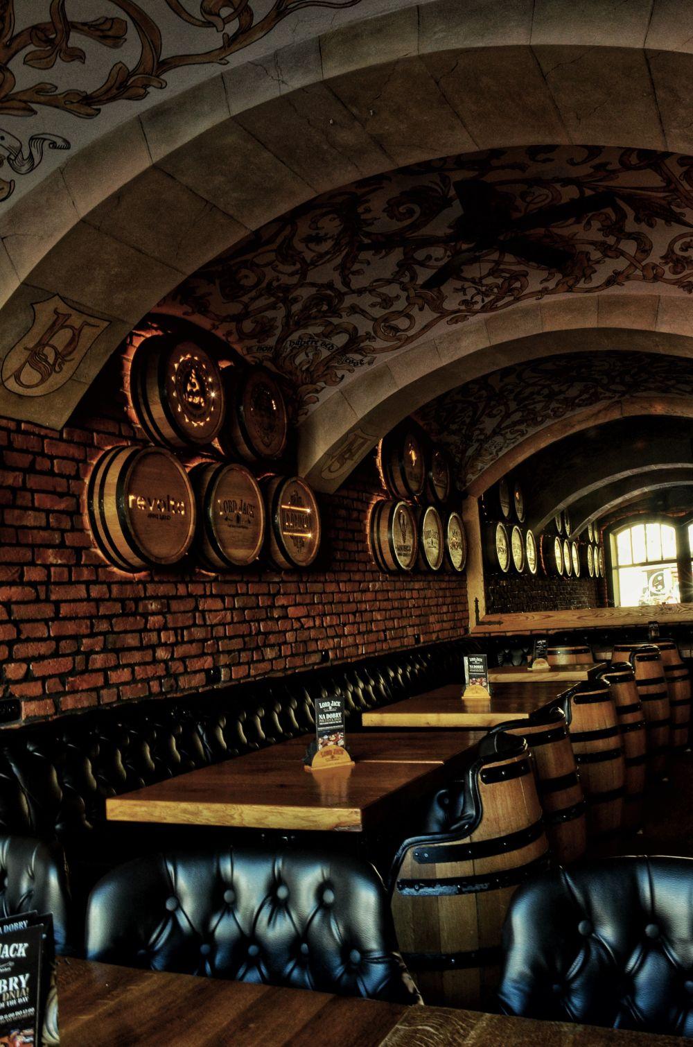 Dekoracja ścian Lord Jack Rzeszów wykonaną przez firmę ACORDI Dominik Ziobro